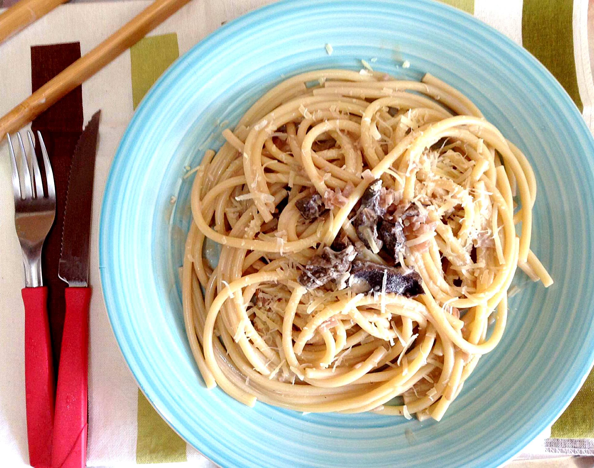 EspagueteAoMolhoDeFunghi_CozinhandoPara2ou1