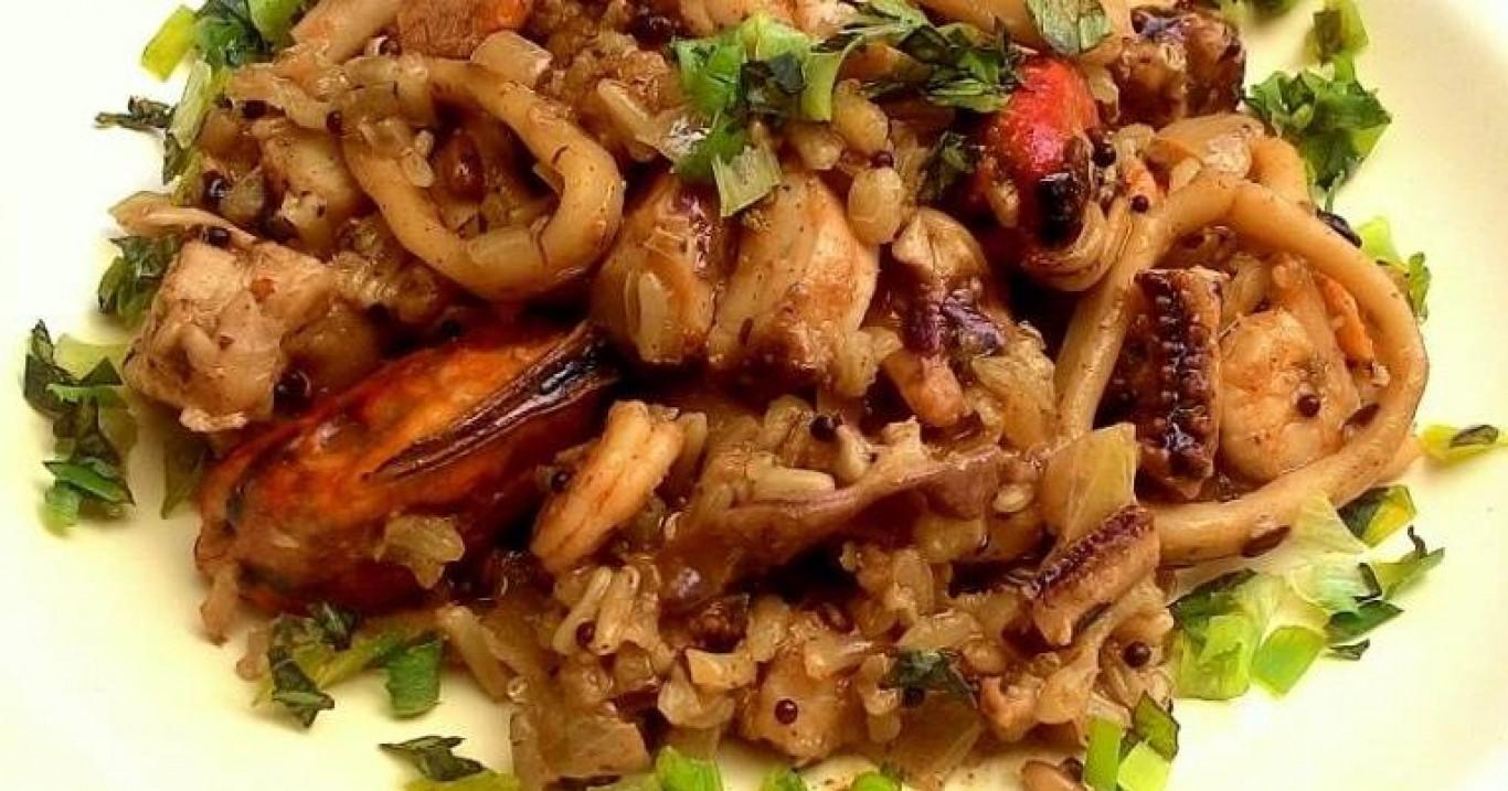 Arroz com frutos do mar (paella simplificada)