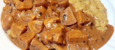 Cogumelos ao molho cremoso com purê de berinjela