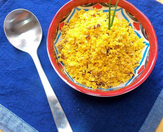 Farofa crocante de cebola tostada