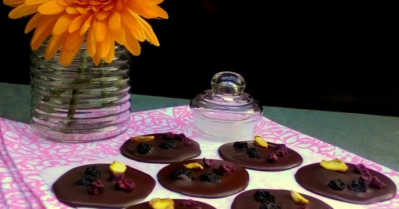 Mendiants de chocolate (para vender, presentear ou reaproveitar sobras de ovos de Páscoa)