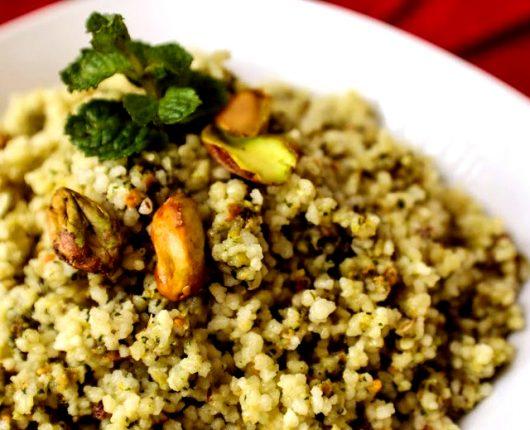 [VÍDEO] Cuscuz marroquino com pesto de hortelã e pistache