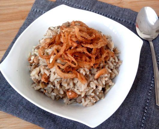 Mjhadra, Mejadra ou Mujaddara (arroz árabe com lentilha e cebolas douradas)